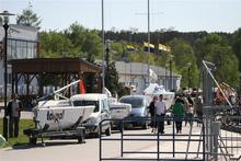 Nie lada atrakcją dla spacerowiczów jest flota zawodowych jachtów.